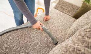 Чем почистить мягкую мебель в домашних условиях от грязи и пятен