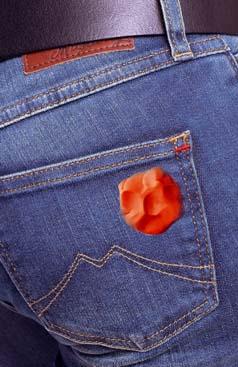 пластилин на джинсах