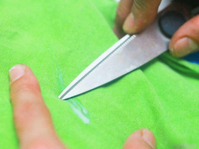 Удаление смолы ножом
