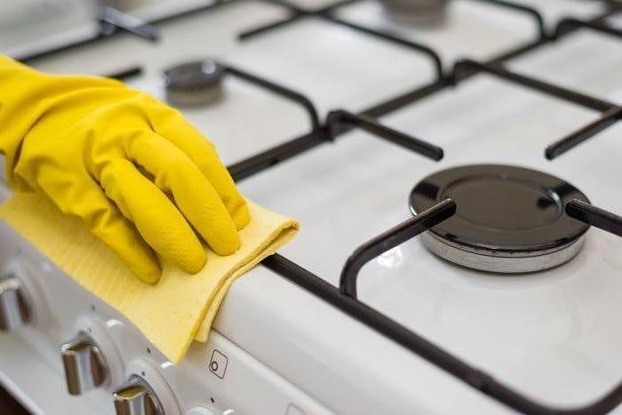 Мытье решетки плиты
